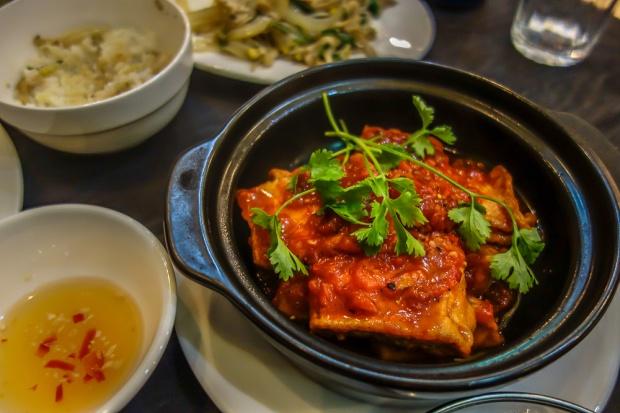 tofu-with-tomato-sauce-am-vegetarian-restauranti-hoi-an
